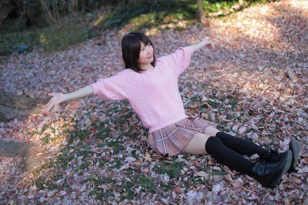 高町咲衣 IoT女子さき 撮影 手を広げたポーズ
