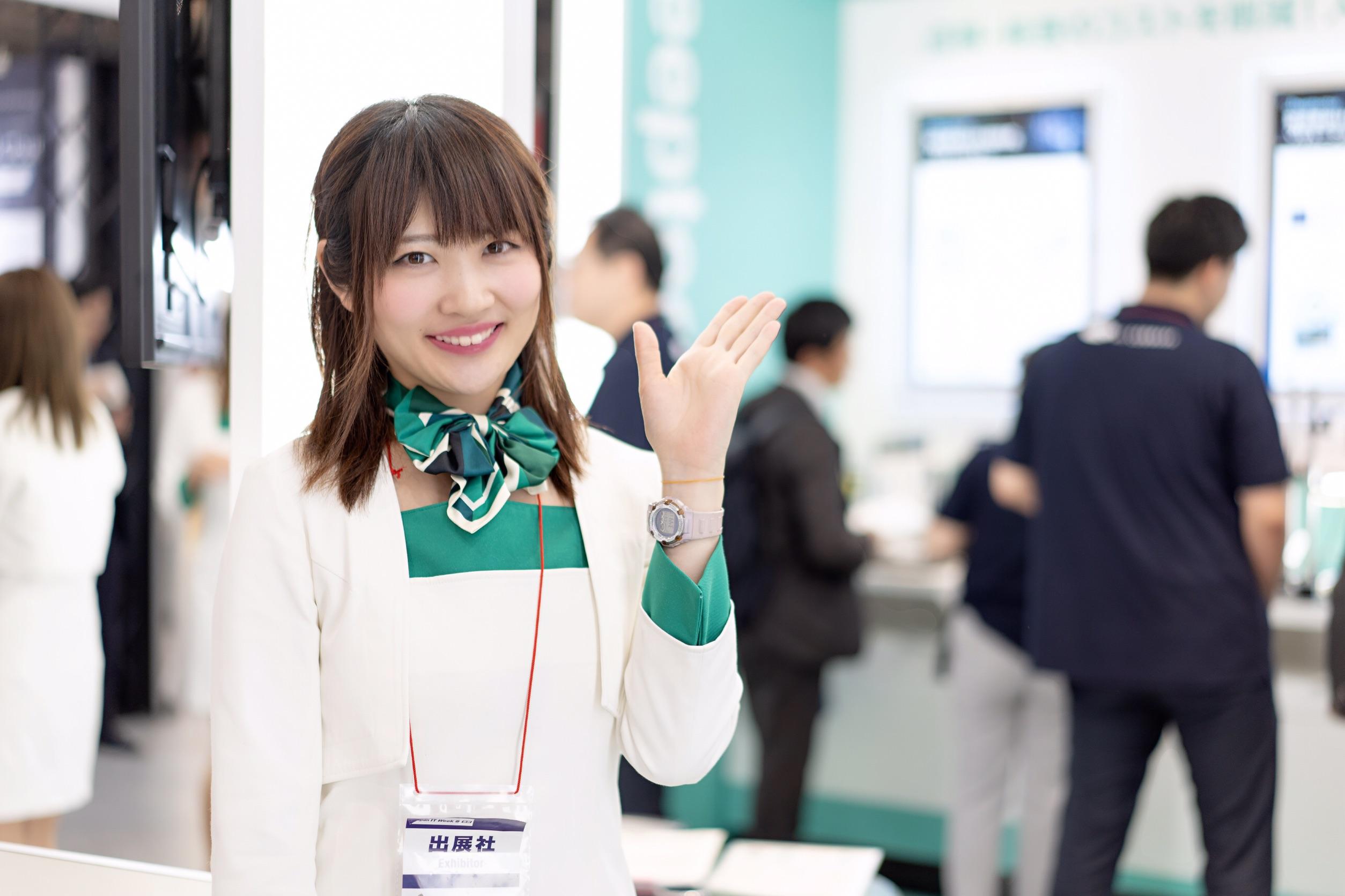 JapanITWeek 「NTTコムウェア」さんのブースに出演したよ!「DevOpsサイクルを実現するクラウドサービスDevaaS® 2.0」IoT女子×クラウド業務改革EXPO のサムネイル